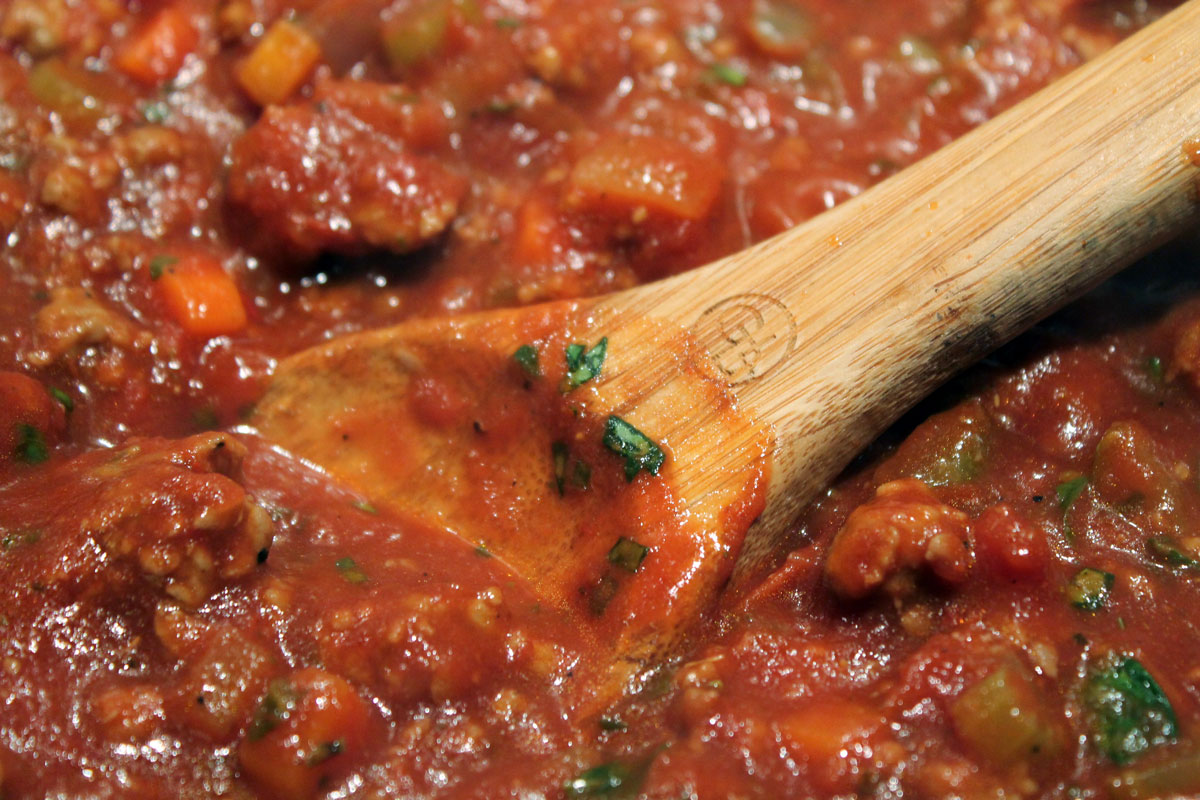 Spicy Turkey Bolognese | Hugs 'n Kitchen