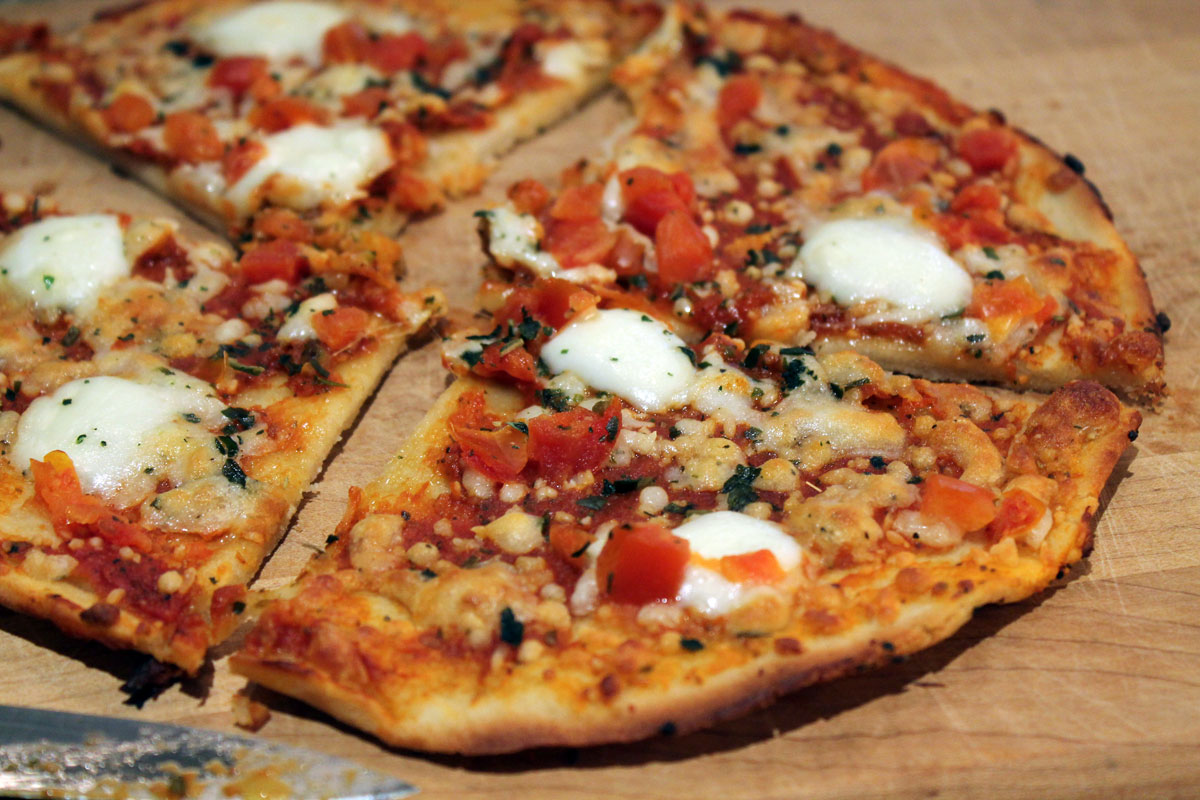 Udi's Gluten-Free Pizza Review | Hugs 'n Kitchen