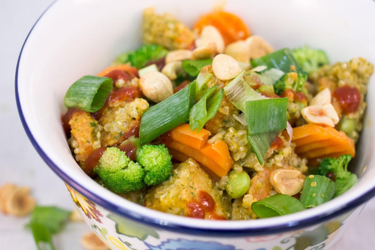Spicy Thai Quinoa   Hugs 'n Kitchen