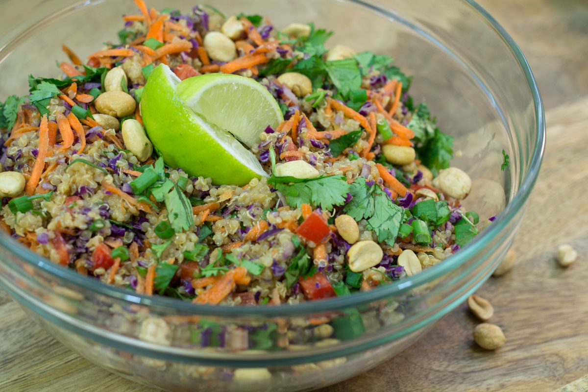 Thai Quinoa Salad with Ginger Peanut Dressing | Hugs 'n Kitchen