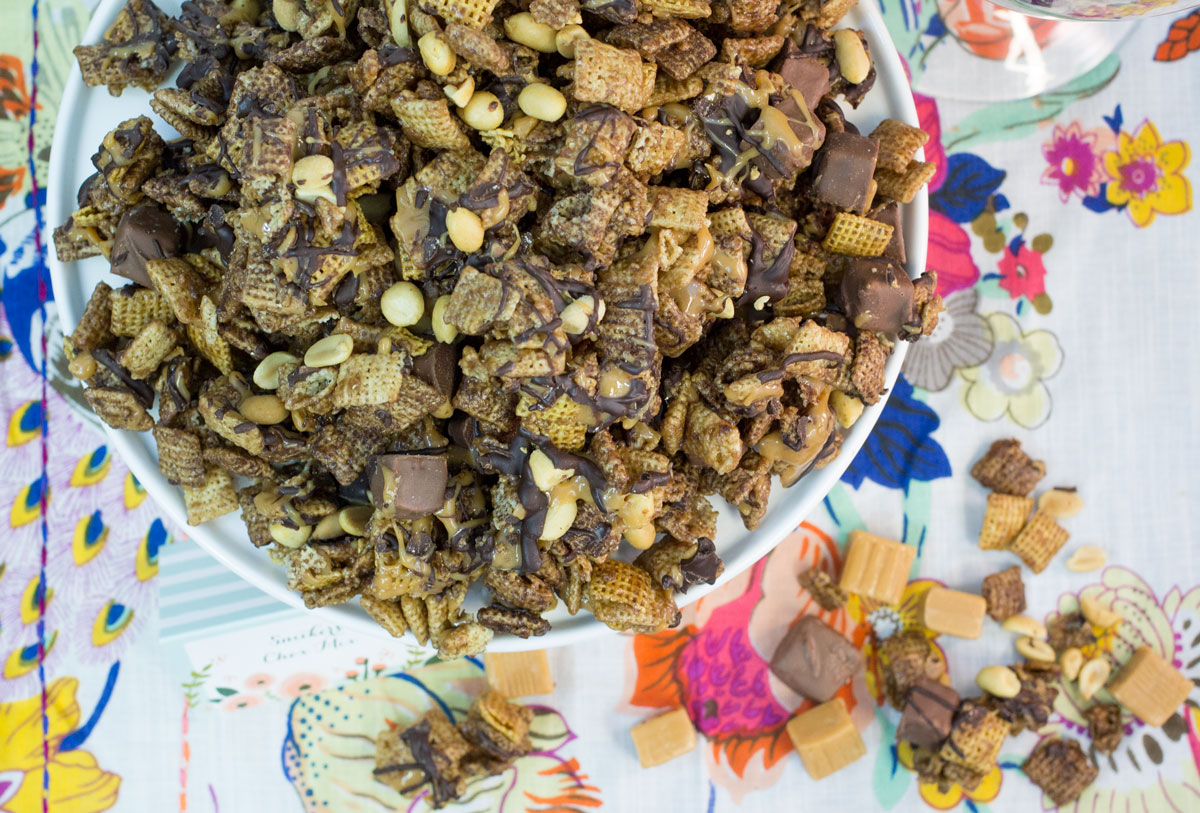 Snickers Chex Mix | Hugs 'n Kitchen