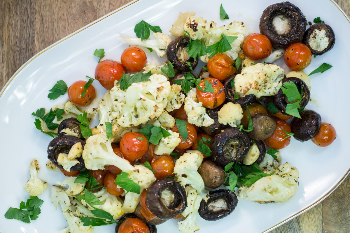 Italian Roasted Cauliflower and Mushrooms | Hugs 'n Kitchen