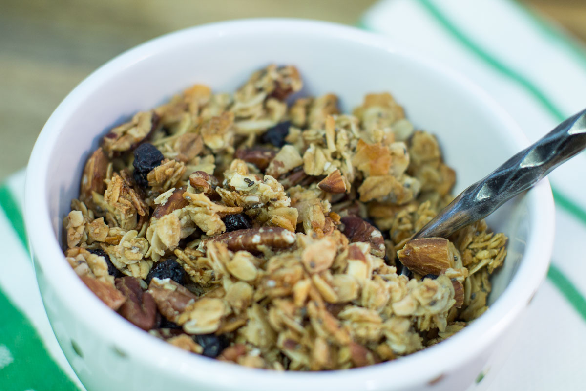 Chunky Coconut Granola | Hugs 'n Kitchen